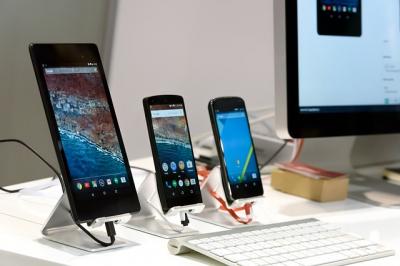 Smartphone conectado a teclado bluetooth